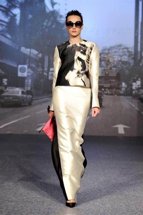 Busana Syari Trendy 4 wanita berkuasa koleksi busana raya 2014 oleh bernard chandran eid and ux ui designer
