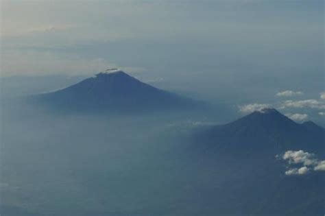 Selimut Gunung Dieng Wonosobo Indonesia Picture Of Wonosobo Central