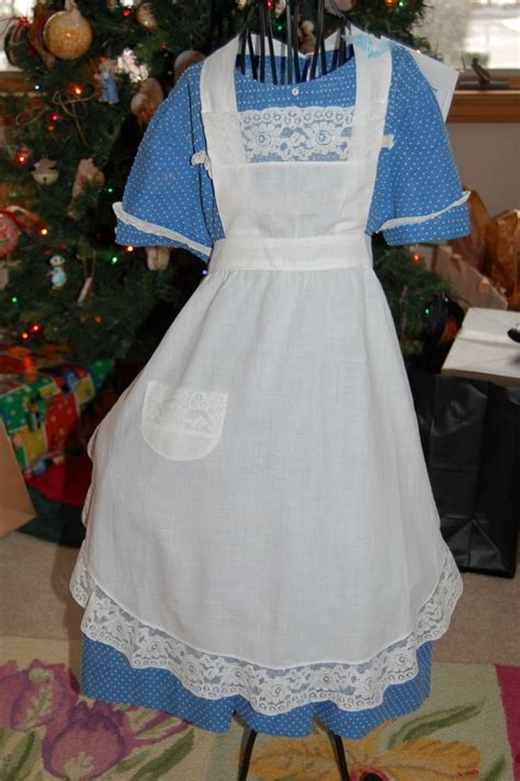 sewing apron strings 178 best apron strings images on pinterest aprons