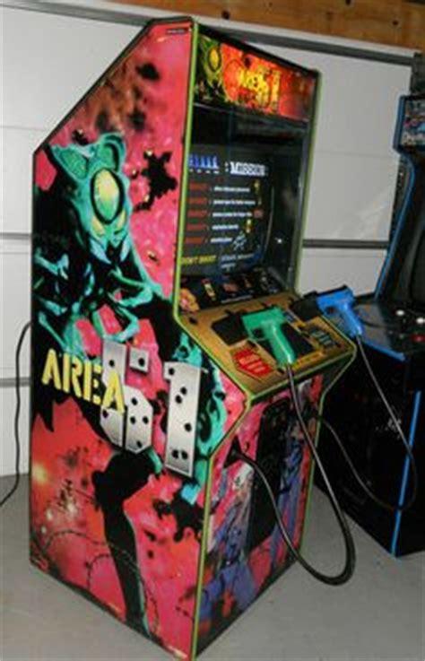 area 51/maximum force arcade game   vintage arcade
