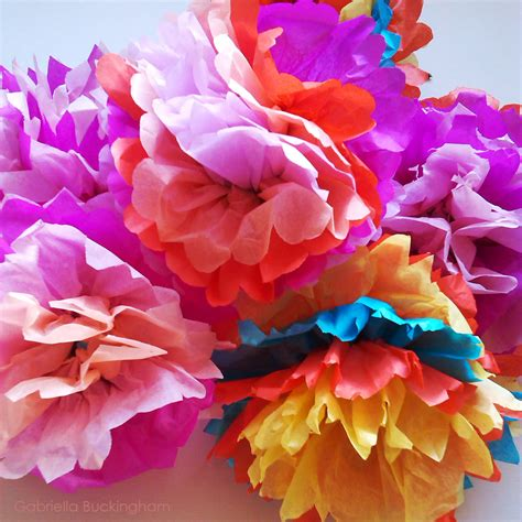 How To Make A Flower Out Of Wrapping Paper - origami to make flowers out of tissue paper make a flower