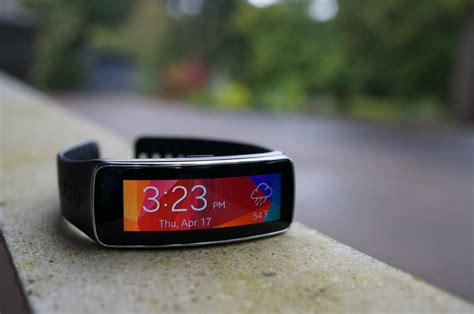 Samsung Gear Fit New Terlaris samsung gear fit review terrible fitness tracker and