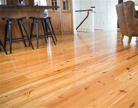 Softwood flooring   Med?io Gausa