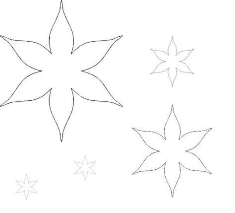 forme di fiori da ritagliare sagome di fiori e foglie per decorare