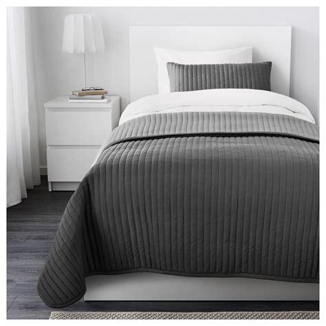 bettdecken größen karit bedspread and cushion cover grey 180x280 40x65 cm ikea