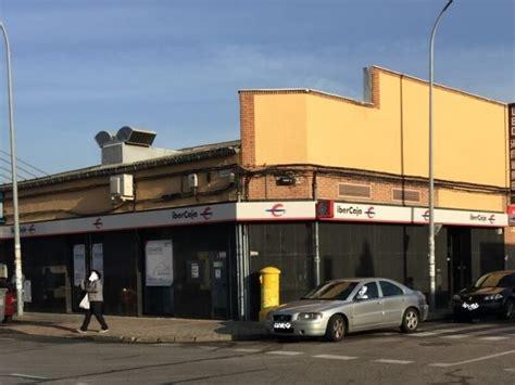 oficina ibercaja cajeros y bancos en cobo calleja