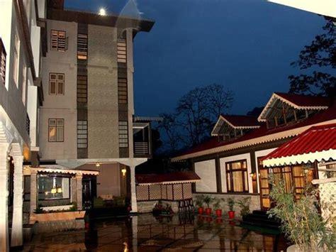 terrace valley clarks inn clarks inn terrace valley gangtok compare deals