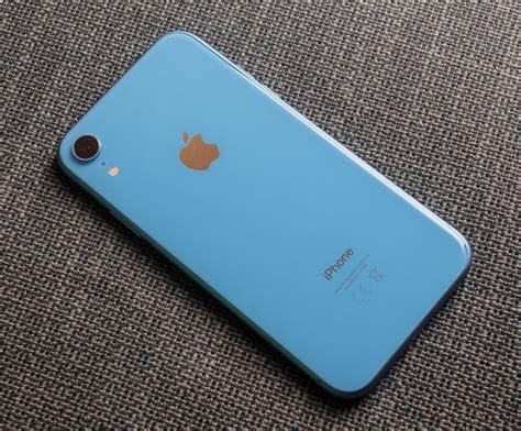 iphone xr czyli tańszy ale nie tani iphone pierwsze wrażenia