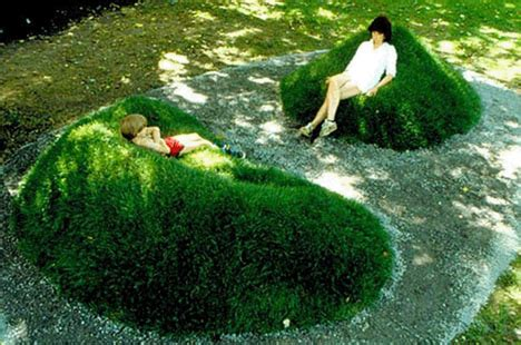 grass couch diy sod sofas recline in real green grass lawn loungers