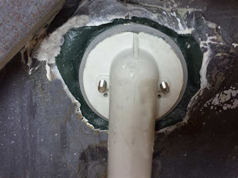 bathtub rust repair how to fix a leaking bathtub overflow drain image