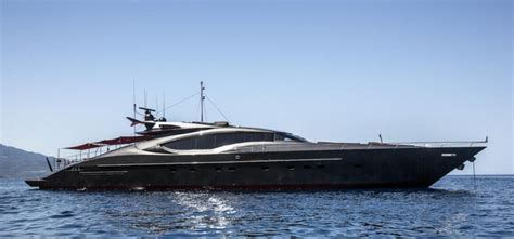 jacht ronaldo a holiday on the 35 metre ascari boat this is how ronaldo