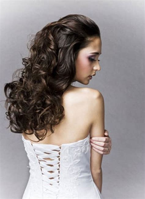 wedding hairstyles loose curls long wedding hairstyle with curls ipunya