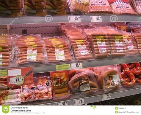 image gallery shelf