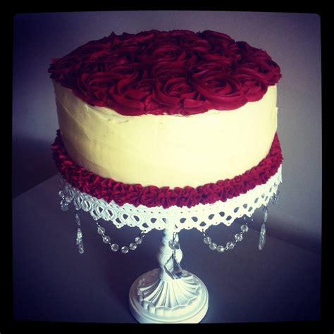 Decorating Ideas For Velvet Cake Velvet Cake With Buttercream Icing