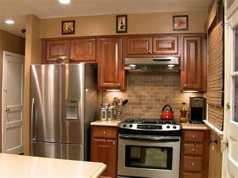 our favorite kitchen backsplashes diy our favorite kitchen backsplashes stove cabinets and