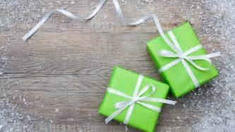 wallpaper snow gift box new year christmas ribbon