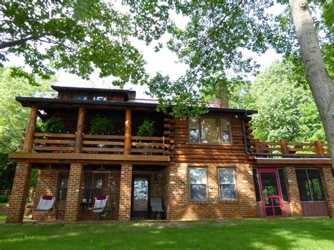 lakefront log home with homeaway cozy lakefront log cabin vrbo