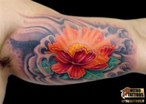 fiori di loto braccio tatuaggi fiori di loto braccio flowers tattoos