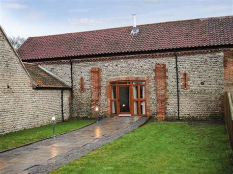 Cottages In Norfolk Friendly by The Paddocks Pet Friendly Cottage In Cromer Selfcatering