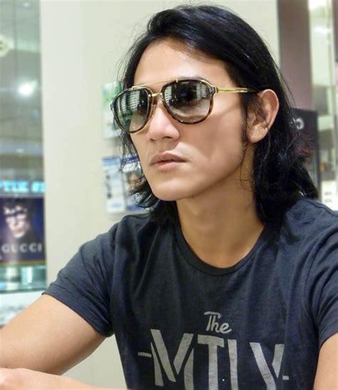 model rambut untuk wajah lonjong ala selebriti model