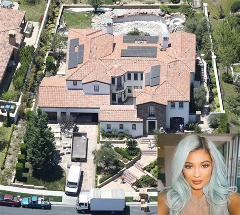 kendall jenners house kylie jenner net worth a look into her multiple sources of income celebrity stats