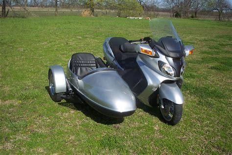 in sidecar da scooter a sidecar