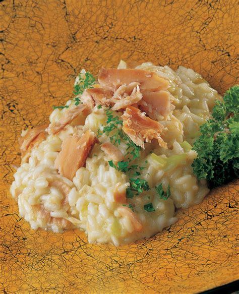 come cucinare i gamberi di fiume riso con gamberi di fiume zafferano e punte d ortica ricetta