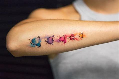 tatuaggi sul braccio interno femminili oltre 25 fantastiche idee su tatuaggi sul braccio da donna