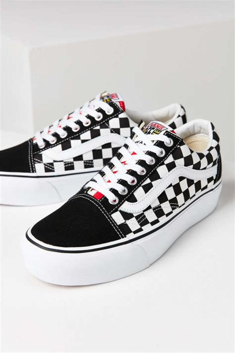 Sepatu Vans Skool Chekerboard Blackwhite Like Original this vans skool is sporting some serious height cnk
