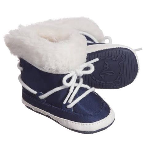 It Or Leave It The Must Winter Boots This Year Are Shearling Will You Be Cozying Up by De Leukste Snowboots Kindermusthaves