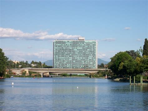 sede eni roma file roma eur palazzo uffici eni jpg