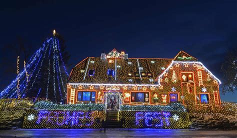 christmas lights around the globe