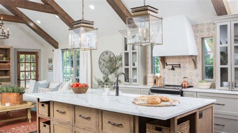 Italian Kitchen Island chip and joanna land in a hot mess on fixer upper