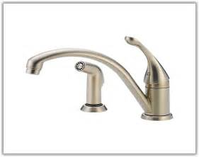 kitchen faucet leaking from handle faucet cleandus
