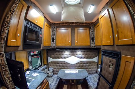 do 18 wheelers have bathrooms big rigs get the comforts of home to help truckers close