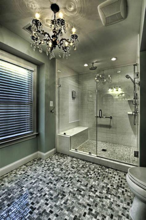 kronleuchter im badezimmer badezimmer deko ideen