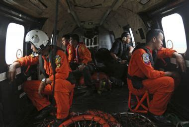 Airasia Qz256 | missing airasia flight qz8501 divers resume search for