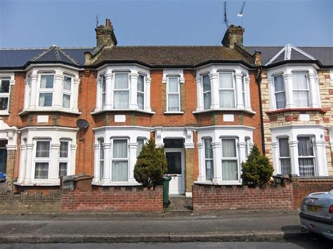terraced house 3 bedroom terraced house for sale in cavendish drive leytonstone london e11