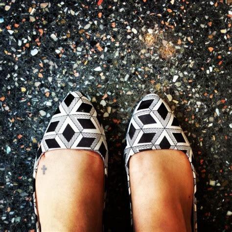 tattoo cross geometric geometric flats and cross tattoo fashion pinterest a