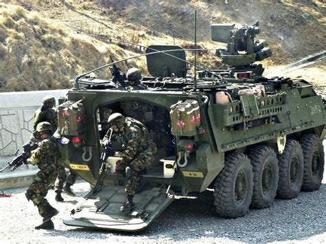 military transport vehicles biggest baddest us military vehicles businessinsider