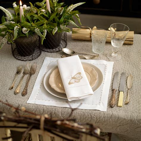 best place to get christmas table how to lay the table and wow your dinner guests