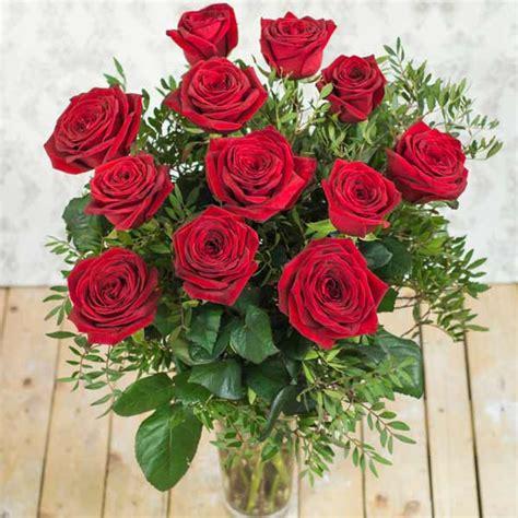 imagenes de rosas turquesas ramo de 12 rosas rojas