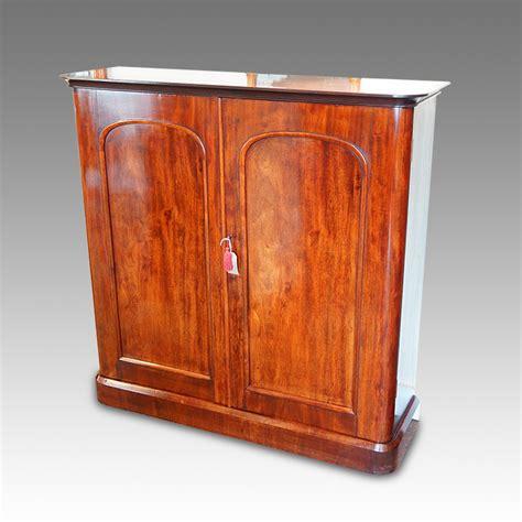 Mahogany Cupboard mahogany 2 door cupboard hingstons antiques dealers