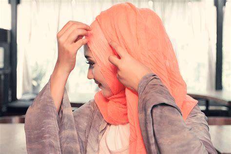tutorial hijab syar i ala dian pelangi tutorial hijab casual ala dian pelangi trend 2018 jallosi