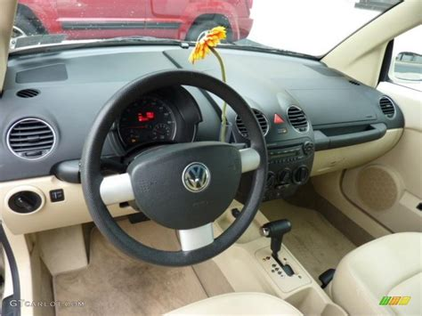 volkswagen new beetle interior cream interior 2006 volkswagen new beetle 2 5 convertible
