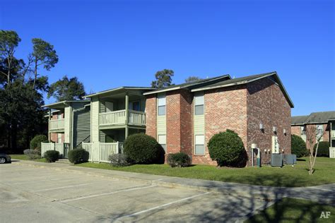 oaks appartments the oaks apartments gulfport ms apartment finder