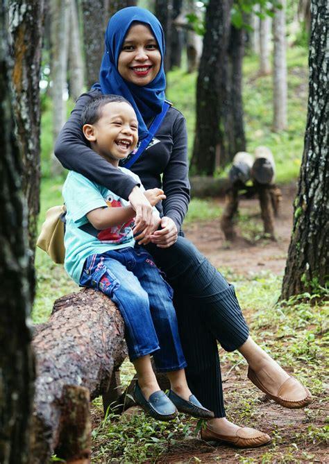 Kutubaru Ibu Dan Anak senyum ibu dan anak