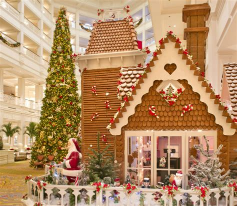 5 hotels with the best christmas decorations ever
