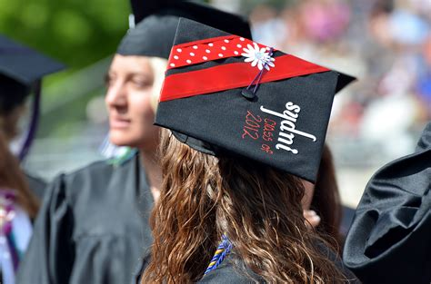 how to decorate graduation cap graduation cap decoration ideas 171 ashland daily photo