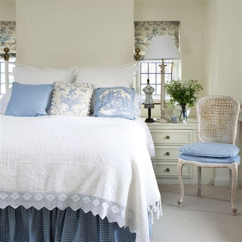 toile bedroom ideas elegant box bedroom with blue toile fabric small bedroom ideas housetohome co uk